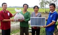 Lắp điện và mổ mắt miễn phí cho người nghèo Sóc Trăng