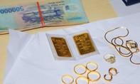 Nữ osin ở Sài Gòn nhiều lần trộm tiền vàng của chủ