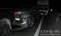 Bốn ôtô tông liên hoàn trên cao tốc TPHCM - Trung Lương