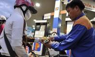 Giá xăng giảm mạnh từ 15h chiều 6-11