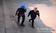 Hai tên trộm ranh ma cải trang thành học sinh để dễ gây án