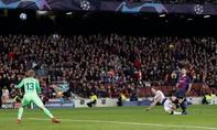 Tottenham kiên cường hòa Barcelona, giành vé vào vòng trong