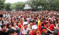 Trước giờ G, cố đô Huế ngập cờ trống cổ vũ đội tuyển Việt Nam