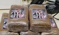 Kẻ buôn ma túy yêu bóng đá khi dán hình Ronaldo vào các gói... cần sa