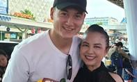 Văn Lâm chia tay người thân, trở lại Hà Nội tập luyện cho Asian Cup