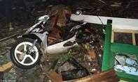 Hiện trường kinh hoàng của trận sóng thần khiến 40 người thiệt mạng ở Indonesia