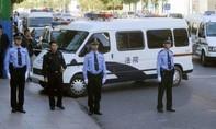 Cướp xe buýt lao vào đám đông, 5 người chết, 21 người bị thương