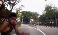 Tự nhảy vào đầu ô tô, nghi dàn cảnh tai nạn để trộm