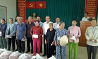 Phó Thủ tướng Trương Hòa Bình tặng quà Tết cho người dân Cần Giờ