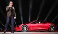 Tesla lỗ 2 tỷ USD trong năm 2017