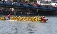 Tưng bừng hội đua thuyền trên sông Cà Ty