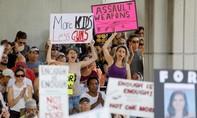 Người dân Florida biểu tình yêu cầu kiểm soát súng nghiêm ngặt hơn