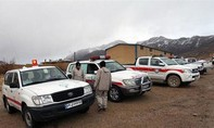 Rơi máy bay khiến 65 người chết: Tiếp cận xác máy bay trên sườn núi