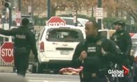 Nhà Trắng phải đóng cửa vì nữ tài xế lao xe vào hàng rào an ninh