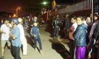 """Hàng trăm người dân """"vây"""" nhà máy thép ở Đà Nẵng"""