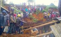 Nhiều ngôi làng bị san phẳng sau động đất