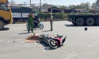 Sau va chạm với xe đầu kéo, người ngồi sau xe máy tử nạn