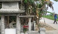 Kỳ bí tượng 'thần cẩu' trong ngôi làng ở Huế