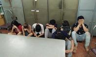 Nhiều nam nữ phê ma túy trong quán karaoke