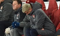 Triều đại của Arsene Wenger sụp đổ