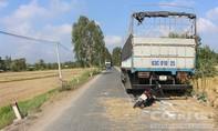 Tông vào đuôi xe tải bên đường, người phụ nữ tử vong