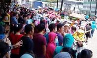 Hàng trăm công nhân nghỉ việc phản đối cách tính lương mới