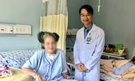 """Cụ bà 74 tuổi phải ngủ ngồi vì khối bướu """"khủng"""" gần 50 năm"""