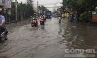 Nhiều nơi ngập lênh láng sau cơn mưa giải nhiệt ở Sài Gòn