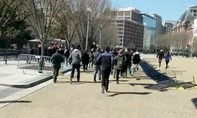Người đàn ông xả súng rồi tự sát bên ngoài Nhà Trắng