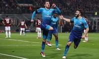 Arsenal đặt một chân vào tứ kết Europa League