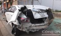 Xe trộn bê tông mất thắng tông 3 ô tô trên cầu Rạch Miễu