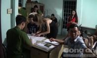 Hàng chục dân chơi phê ma túy trong quán bar ở Sài Gòn