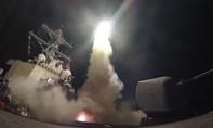 Pháo phòng không 'đỏ trời' Syria, hạ ít nhất 14 tên lửa Mỹ
