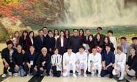 Ông Kim Jong Un xem các nhóm nhạc K-pop trình diễn