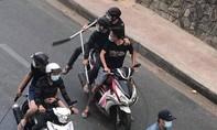 Hai nhóm dàn trận chém nhau ở Sài Gòn vì mâu thuẫn đá gà
