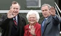 Cựu tổng thống Bush 'cha' nhập viện sau lễ tang vợ