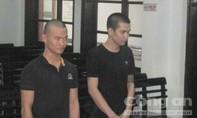 Hai tên cướp bị bắt khi đem điện thoại trả lại nạn nhân