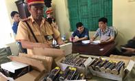 Thuê xe khách chở hơn 1 tấn pháo vào Sài Gòn tiêu thụ