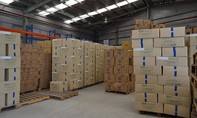Tìm chủ sở hữu lô hàng điện tử chứa trong 1.000 thùng carton