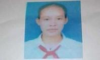 Người nhà bất lực 'giải cứu' thiếu nữ 15 tuổi khỏi người đàn ông lạ mặt