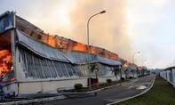 PCCC Trung Quốc hỗ trợ chữa cháy nhà máy sơ sợi ở Quảng Ninh