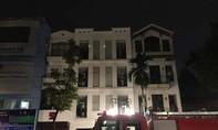 Cháy lớn kèm tiếng nổ ở trung tâm TP.Hà Nội