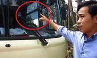 Tài xế hoang mang vì xe khách bị đập phá