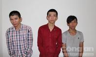"""Bắt băng cướp """"tuổi teen"""" manh động ở vùng ven Sài Gòn"""