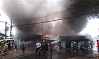 'Bà hỏa' thiêu rụi 7 căn nhà lúc giữa trưa ở Tiền Giang