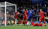 Top 4 hẹp dần với Chelsea