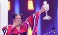 Nữ ca sĩ 'thừa cân' chiến thắng ở nhờ ủng hộ phong trào #MeToo