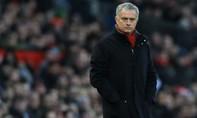 MU tăng cường hàng thủ, Mourinho chú ý sao Serie A