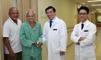 Thay van tim, cụ ông 90 tuổi đi lại được sau 7 năm liệt giường