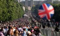 Người dân Anh kéo về lâu đài Windsor chiêm ngưỡng đám cưới hoàng tử